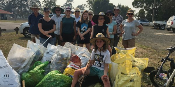 Glengarry Landcare volunteers at Clean Up Australia Day 2019